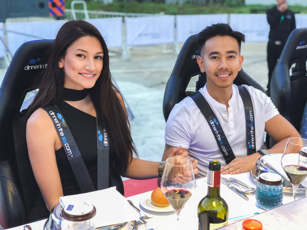 couple at dinner in the sky Bangkok
