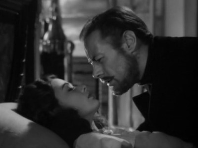 Mankiewicz_Ghost-Mrs_-Muir_-kiss-far