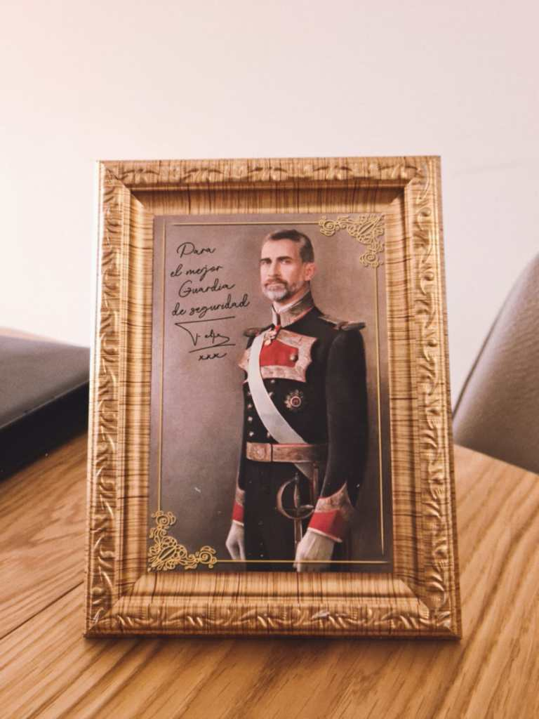 מלך ספרד מתוך חדר בריחה נייד כספת היהלום