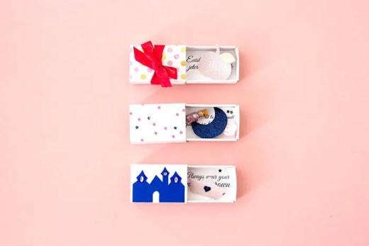 DIY broches à offrir dans leur boîte cadeau - Histoires imaginaires