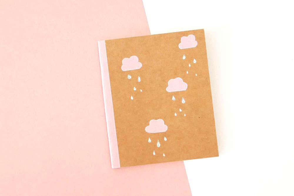 DIY : 3 manières de customiser un carnet kraft