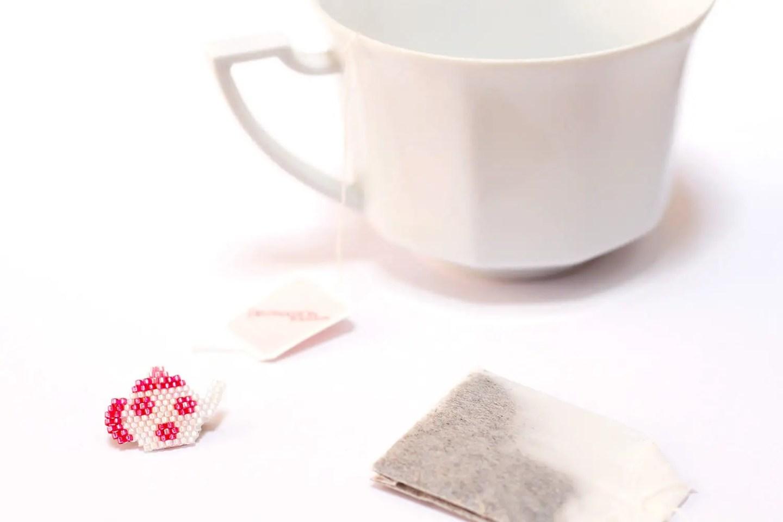 Broche théière - Brick-stitch