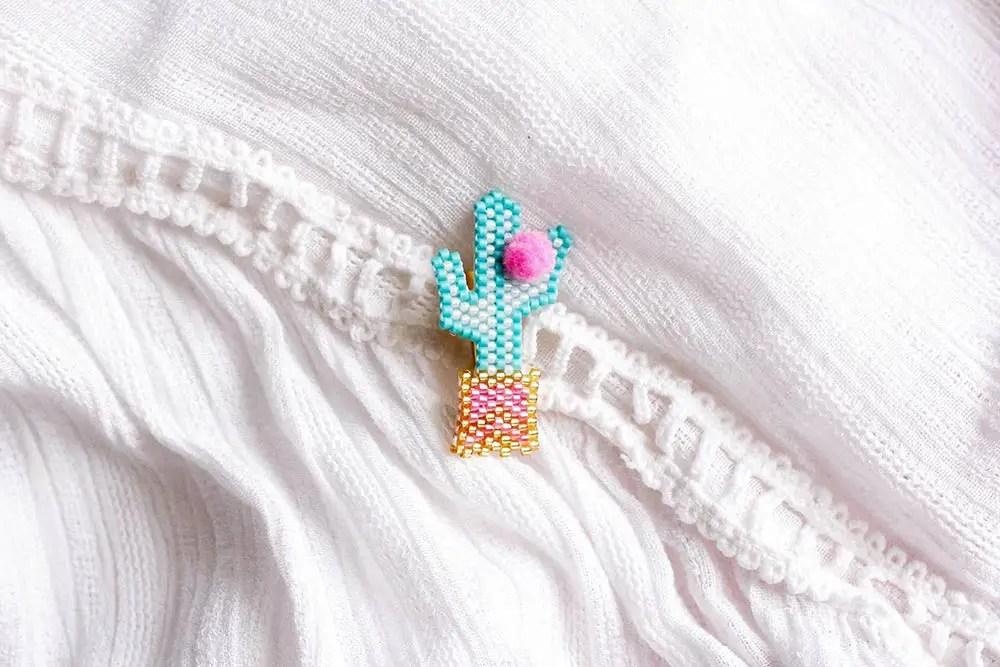 DIY broche cactus en brick-stitch (+ modèle Miyuki)