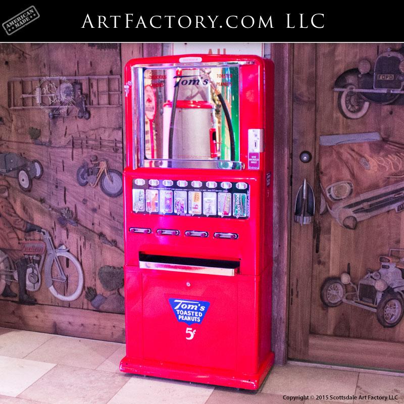 vintage Tom's Peanuts machine