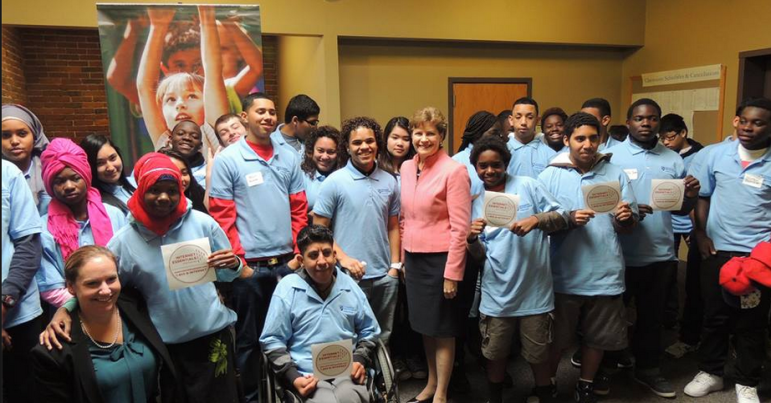 Sen. Jeanne Shaheen visit students at UNH Manchester.