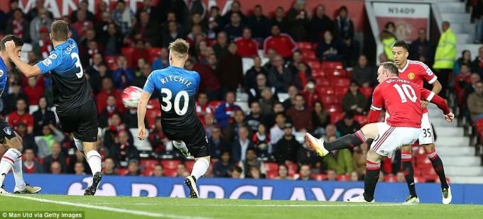 Man Utd via Getty Images Rooney Shot