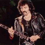 Tony Iommi, il chitarrista dei Black Sabbath è mancino