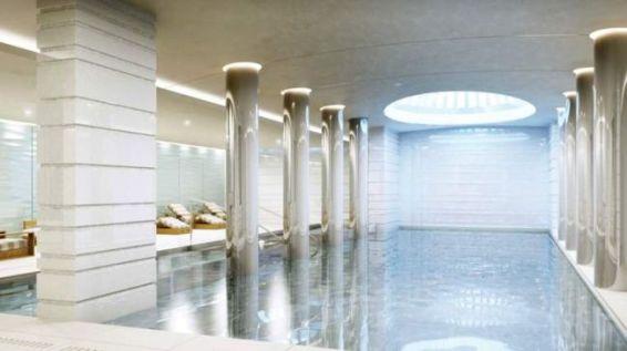 Pool Säulen Liegen Licht