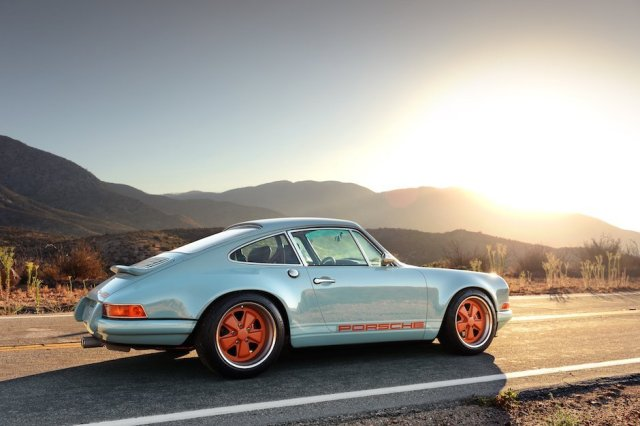 singer-911-racing-blue-49