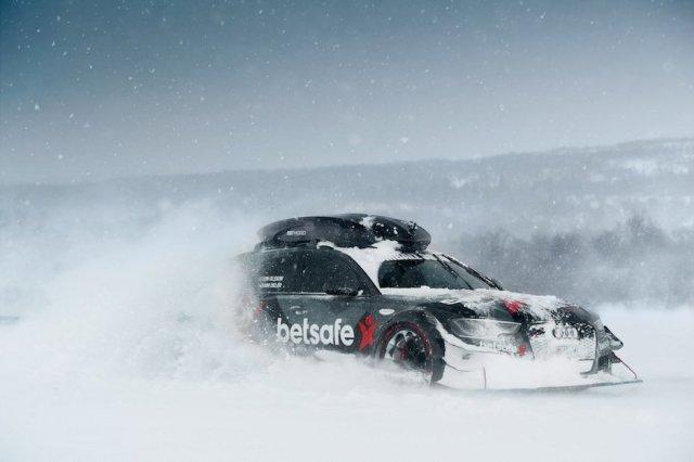 Jon Olsson Audi RS6 Snow plow betsafe Camouflage Winter
