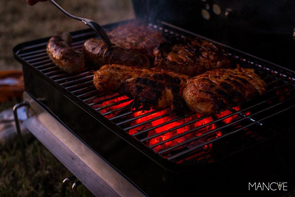 Weber Go Anywhere Holzkohlegrill Test : Weber go anywhere grill camping essentials mit stil und tradition