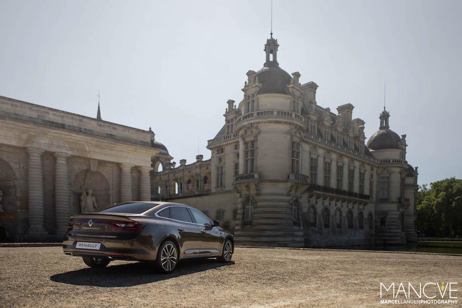 Renault Talisman Heck Chantilly Schloss Paris Frankreich Imposant Architektur Limousine