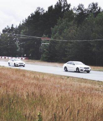 Mercedes-Benz Driving Events Groß-Dölln Racing Rennstrecke Instruktoren Mercedes-Benz C400 4MOTION