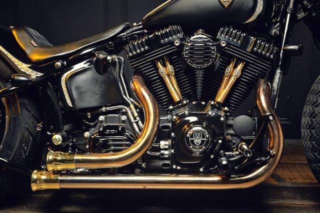 harley-softail-slim-crowned-stallion-rough-crafts-engine