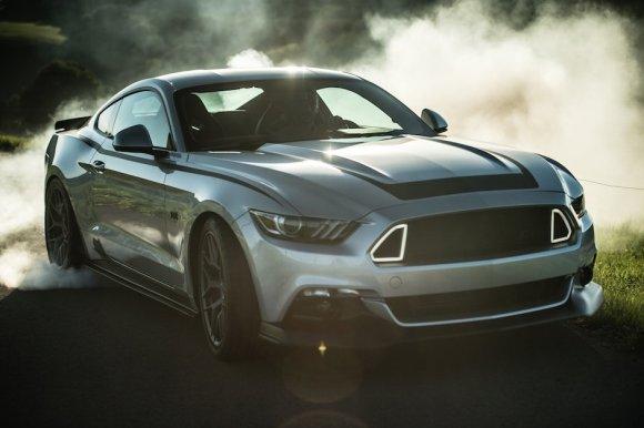 Ford Mustang GT RTR Drift Alok Paleri Burnout Silber LED Smoke Qualm Abrieb Sonne Reflektion