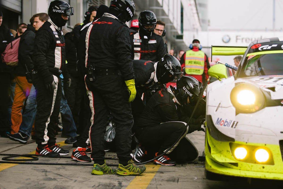 vln-2016-pitstop-porsche-911-gt3-r