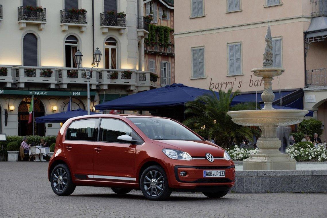 Volkswagen-up-Brunnen-Lago-di-Como