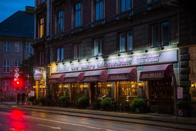 Rio Bravo Restaurant Kopenhagen Insider Steak Nacht Rote Ampel Licht Szene