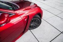 Lexus RC F Advantage Luftauslässe Michelin Pilot Sport 4 Speichenfelge Motorhaube Hyatt Düsseldorf