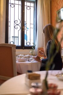 Venedig Venezia Venice Italien Romantik Romance Romantisch Urlaub Lifestyle Locanda Vivaldi Frühstück Breakfast Porzellan Diana Essen