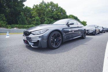 BMW M Intensive Training Bilster Berg BMW M4 Lineup grau F82 Rennstrecke Race Track