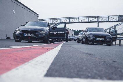 BMW M Intensive Training Bilster Berg BMW M3 BMW M4 F82 schwarz grau Boxengasse Pitlane