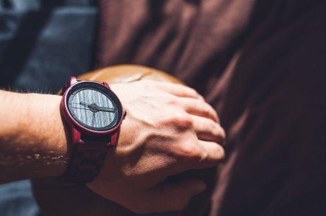 Holzkern Matterhorn Uhr Handgelenk Mann