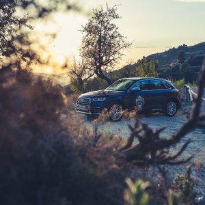 Strasse Landstrasse SUV Kies Sonnenuntergang Berge Blau