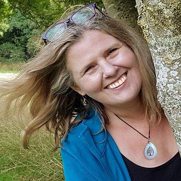 Kathryn Burrington, Mandala Meadow   Mandla art classes for beginners