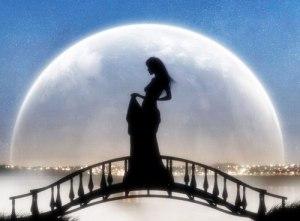 луна и женщ