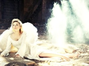 она ангел крылья