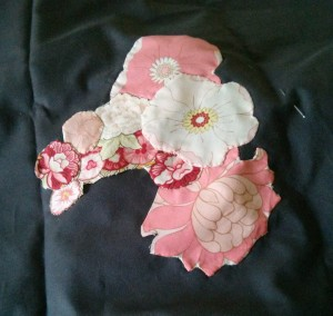 Am I learning alot about applique or what? And broderie perse.  That, too.