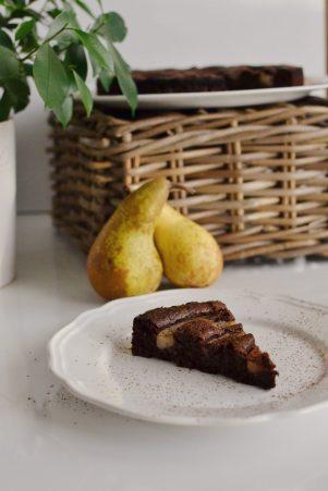 Flourless chocolate & pears cake