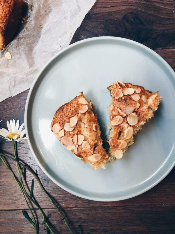 Coconut & almond cake
