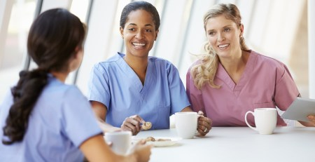 Snack during night shift better than big meal, study finds - The Mandatory Training Group UK -