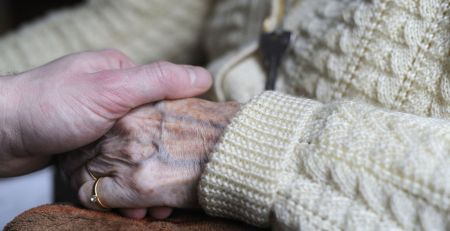Dementia care crisis costing businesses as carers forced to quit jobs - The Mandatory Training Group UK -