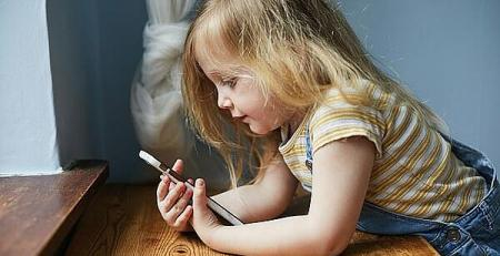 Worry over kids' excessive smartphone use is more justified - MTG UK