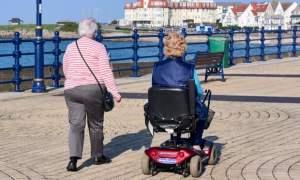 Call for volunteers to help elderly in coronavirus crisis - The Mandatory Training Group UK -