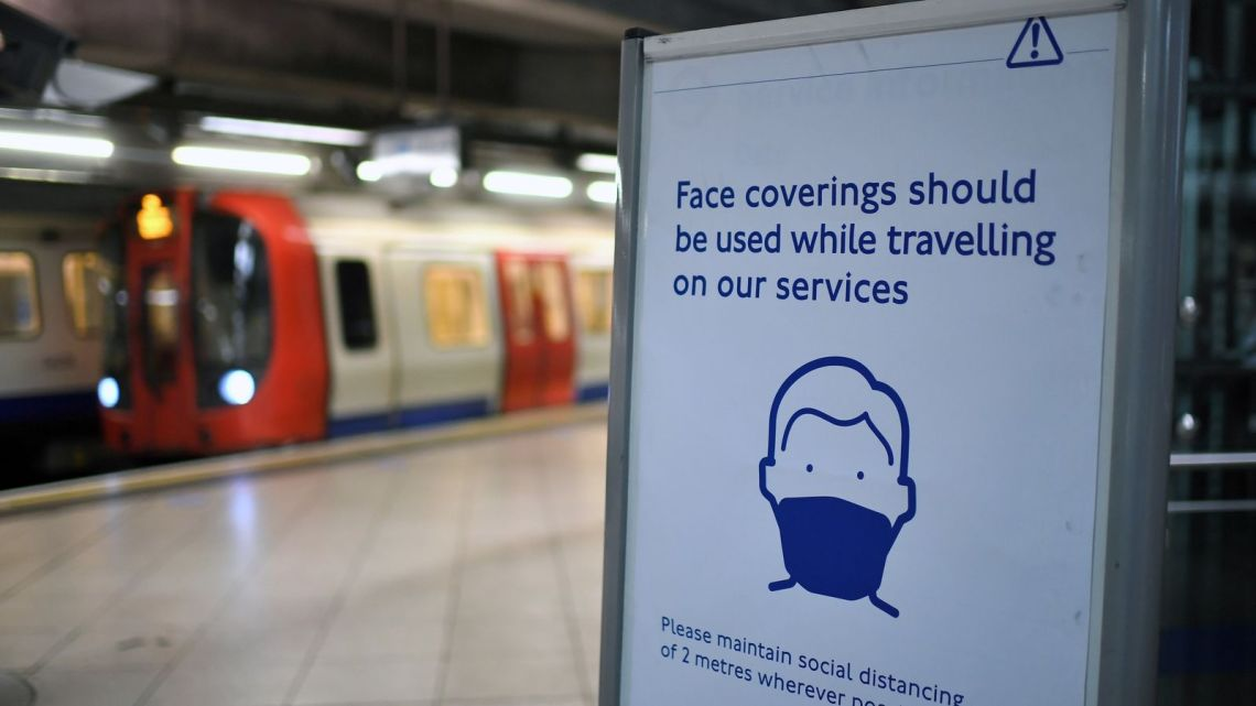 People should start wearing face masks now - and not just on public transport, doctors say - The Mandatory Training Group UK -
