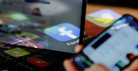 Social media and its mental health effects - The Mandatory Training Group UK -