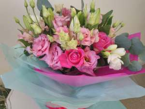 Hand-tied Country Pink