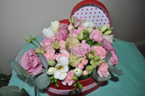 Heart-shaped flower box