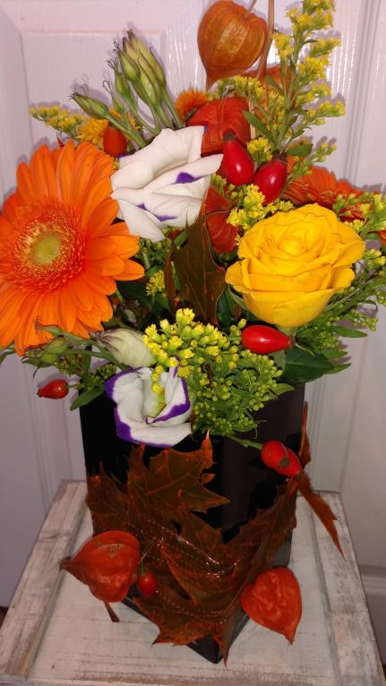 Crapstone flowers - Autumnal Vase Arrangement