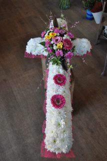 Based funeral cross