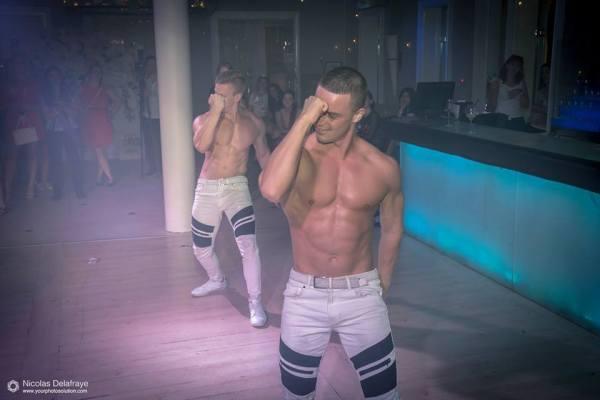 Magic Mike XXL (Hot Man Dance) striptease show-ja