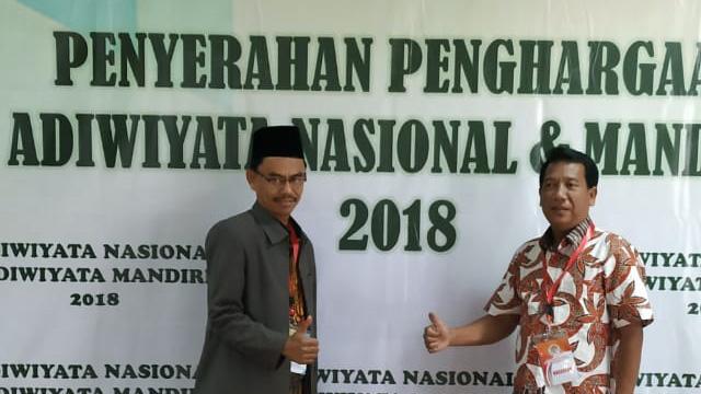 MAN 2 Ponorogo Meraih Penghargaan Sekolah Adiwiyata Nasional