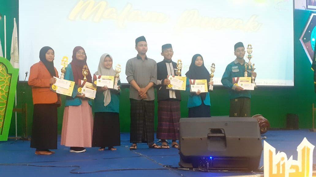 Raih Kejuaraan di Festival Bahasa Arab IAIN Ponorogo Hadiah untuk Arabic Club MAN 2 Ponorogo