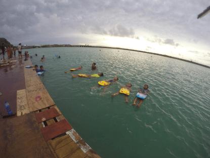 Practicing floating (Pic thanks to Pou Panuve)