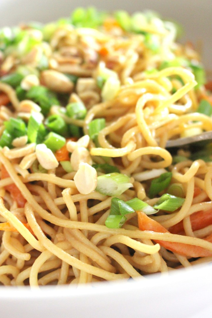 Cold Asian noodles in easy peanut sauce