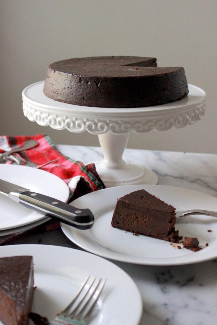 5-Ingredient Flourless Chocolate Cake!